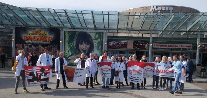 Ärzte und Forum Rauchfrei protestieren gegen die Tabakmesse