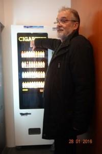 [cml_media_alt id='12330']201601828Johannes_Bundestag_Zigarettenautomat[/cml_media_alt]