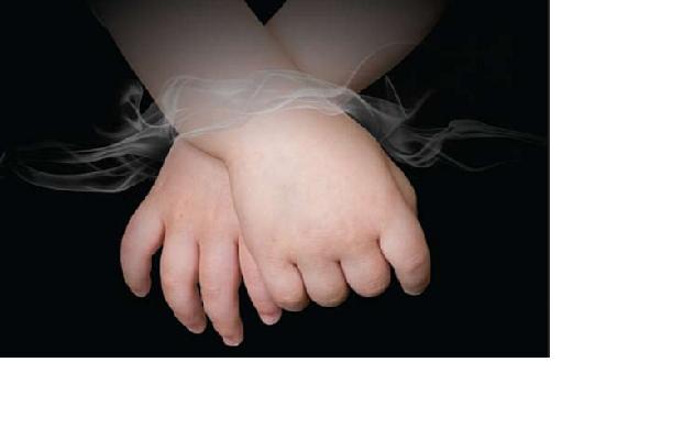 Parteiübergreifende Initiative im Bundestag fordert ein gesetzliches Rauchverbot im Auto