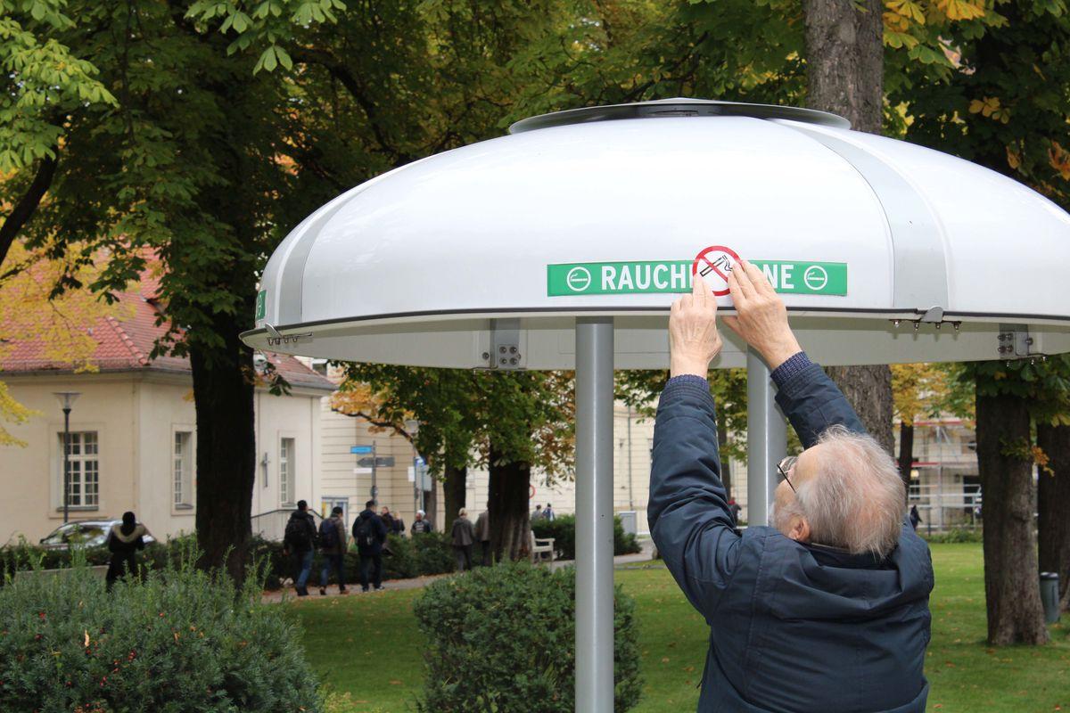 Qualmen auf dem Campus ( Berliner Woche )